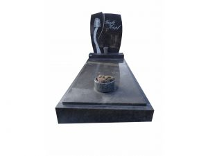 schmales Grab mit Steinvase