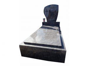 Gedecktes Steingrab mit hoher Absatzfläche