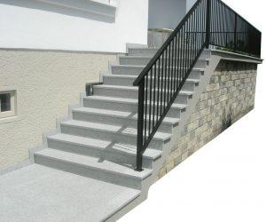 Stufen zu den Terrassen